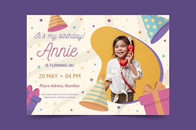 Plantilla de tarjeta de cumpleaños infantil multicolor