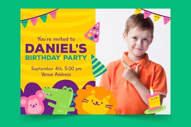 Plantilla de tarjeta de cumpleaños para niños con foto e
