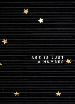 Plantilla de tarjeta de felicitación de cumpleaños sobre fondo negro