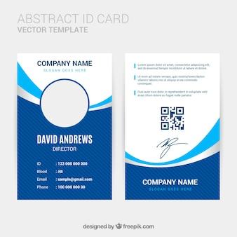 Plantilla de tarjeta de identificación abstracta con diseño plano