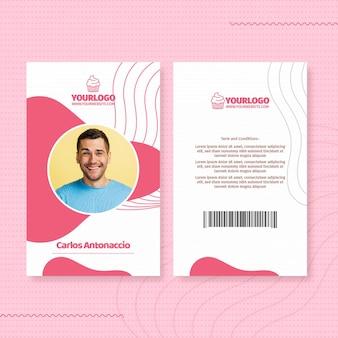 Plantilla de tarjeta de identificación de cupcake delicioso