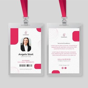 Plantilla de tarjeta de identificación de mujer de negocios