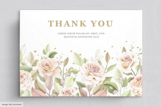 Plantilla de tarjeta de invitación de rosas dibujadas a mano