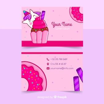 Plantilla tarjeta de negocios personaje kawaii dibujado a mano
