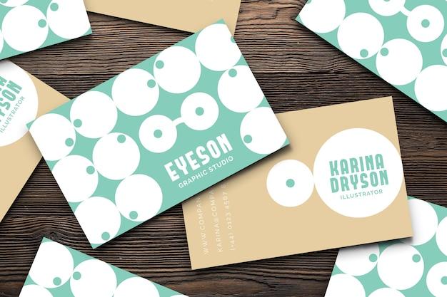 Plantilla de tarjeta de presentación de diseñador gráfico en estilo divertido