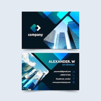 Plantilla de tarjeta de visita abstracta con diferentes formas y fotos