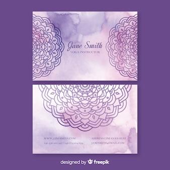 Plantilla de tarjeta de visita de mandala violeta acuarela