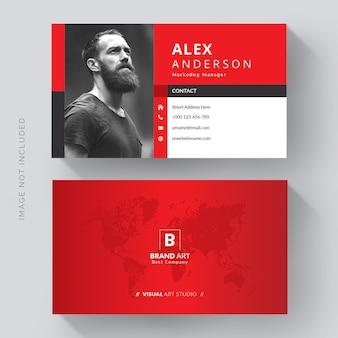 Plantilla de tarjeta de visita moderna creativa con detalles en rojo