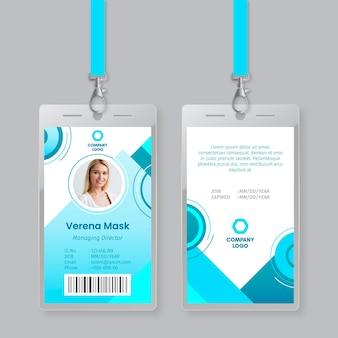 Plantilla de tarjetas de identificación de estilo abstracto
