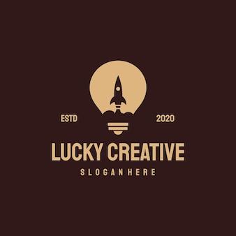 Plantilla vintage retro del logotipo de idea boost