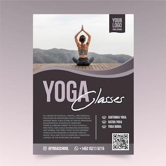 Plantilla de volante de meditación y yoga