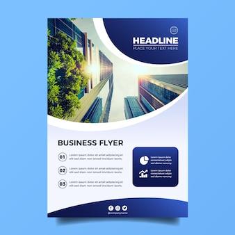 Plantilla de volante de negocios vertical