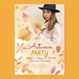 Plantilla de volante de otoño vertical en acuarela con foto