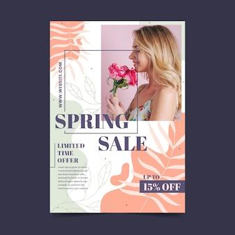 Plantilla de volante de rebajas de primavera dibujada a mano con foto