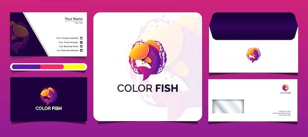 Plantillas de logotipos de peces de colores con tarjetas de visita y diseños de sobres