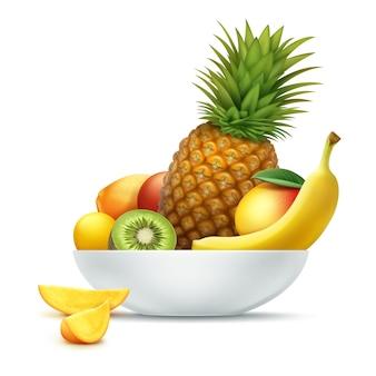 Plato de vector lleno de frutas tropicales piña, kiwi, mango, papaya, plátano aislado sobre fondo blanco.