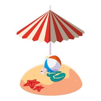 Playa de arena de verano con sombrilla y globo de juguete.