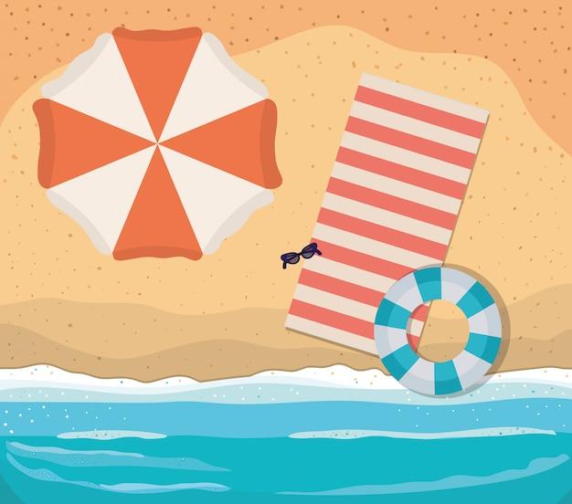Playa con diseño de vector de vista superior de paraguas y flotador de toalla
