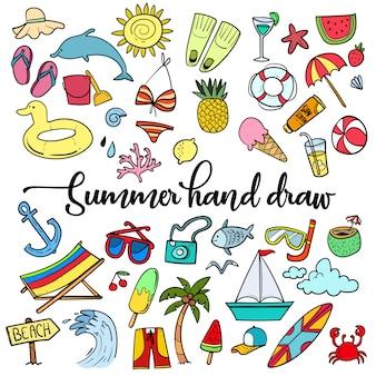 Playa de verano dibujado a mano vector de símbolos y objetos