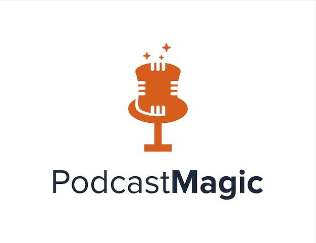 Podcast con sombrero mágico y estrellas simple creativo geométrico elegante diseño de logotipo moderno