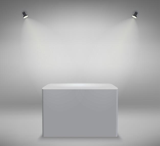 Podio de presentación del producto, escenario blanco, pedestal blanco vacío