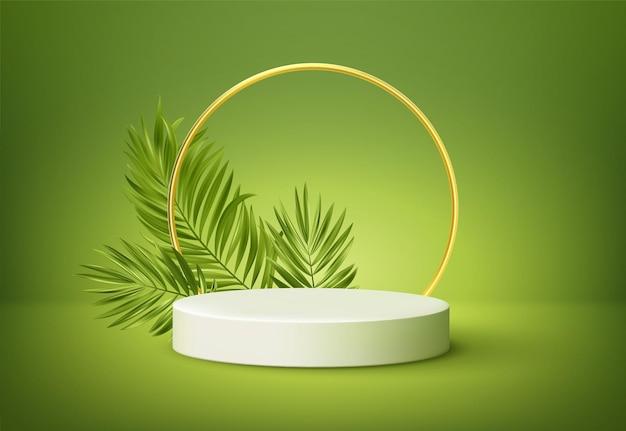 Podio de producto blanco con hojas de palmeras tropicales verdes y arco redondo dorado en la pared verde