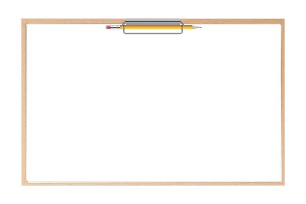 Portapapeles hojas de papel y bolígrafo fondo blanco