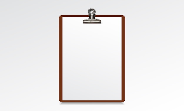 Portapapeles de madera con hoja de papel en blanco