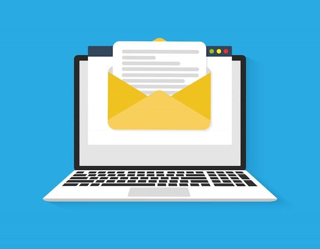 Portátil con sobre y pantalla de documentos. correo electrónico, icono de correo electrónico