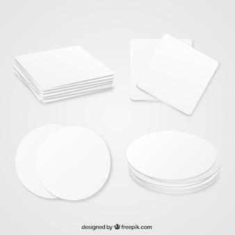 Posavasos geométrico en blanco