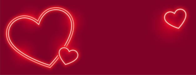 Precioso banner de corazones de neón con espacio de texto