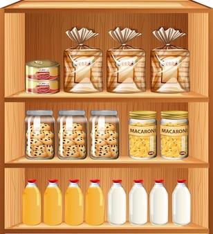 Productos horneados y alimentos procesados en tres estantes.