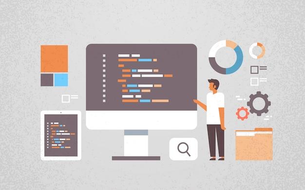 Programador independiente que trabaja en desarrollo de software