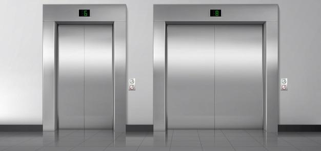 Puertas de ascensor, elevadores de servicio y de carga cerrados.