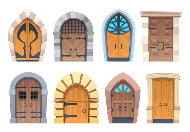 Puertas de dibujos animados y puertas de madera y piedra medieval o de cuento de hadas con arco o entradas rectangulares. elementos de diseño exterior de palacio o castillo con decoración de vidrio forjado y perillas de anillo
