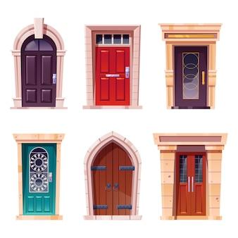 Puertas de madera con entradas de estilo medieval y moderno.
