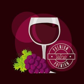 Racimo de uvas barril y copa de vino