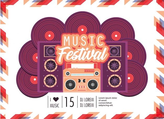 Radio con altavoces para la celebración del festival de música.