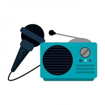Radio estéreo antiguo y micrófono.