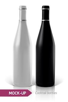 Realista de botellas de cóctel sobre fondo blanco con reflexión y sombra