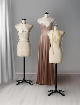 Realista de maniquí para taller de costura. espacio de trabajo con telas, cinta métrica, maniquíes, vestido