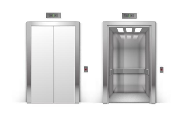 Realista puertas de ascensor de edificio de oficinas de metal cromado abiertas y cerradas aisladas sobre fondo