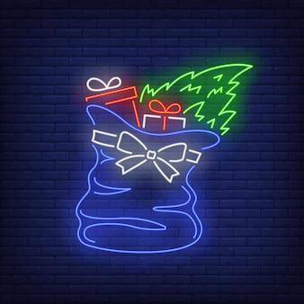 Regalos de navidad en bolsa en estilo neón