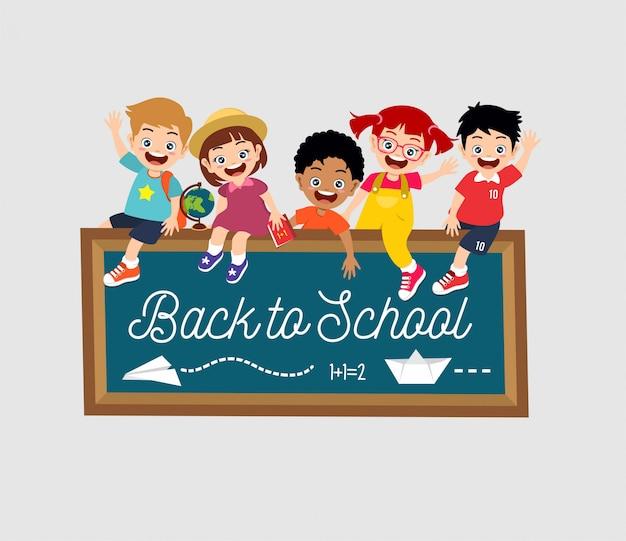 Regreso a la escuela niños felices sonrisa cara
