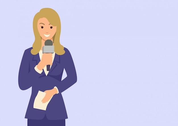 Reportero de mujer sosteniendo un micrófono