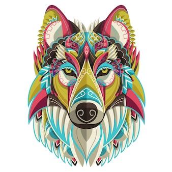 Retrato de lobo colorido estilizado sobre fondo blanco