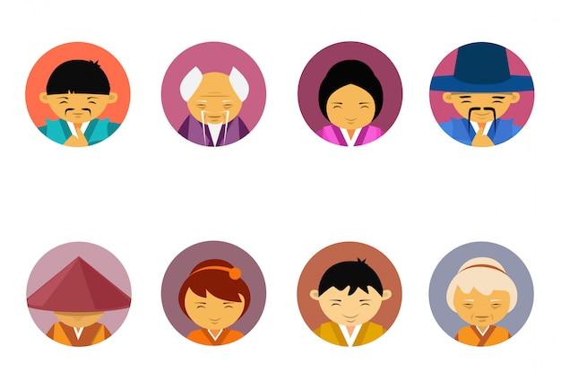 Retratos de personas asiáticas conjunto de hombres y mujeres en ropas tradicionales colección de iconos de avatar masculino femenino