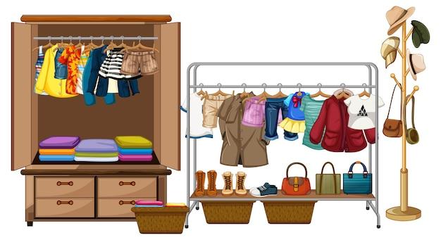 Ropa tendida en el armario con accesorios y rango de ropa sobre fondo blanco.