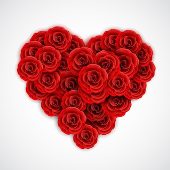 Rosas rojas en forma de corazón.