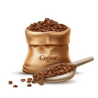 Saco de café realista con cuchara llena de granos tostados